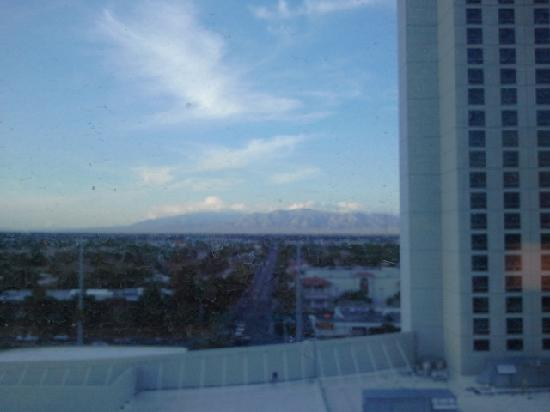 Palms Casino Resort: Daytime view from my 9th floor room in the Fantasy Tower