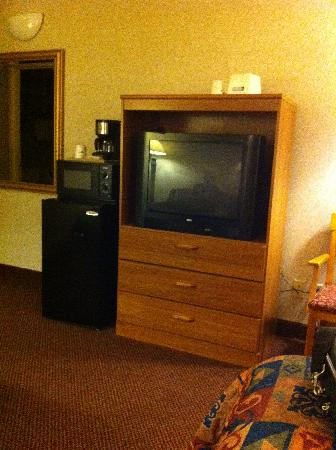 Travelodge Inn and Suites Albany : télé frigo et micro-ondes