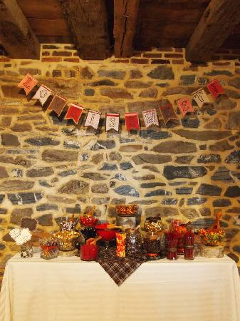 Country Barn Farm Market: Candy Bar area in The Country Barn