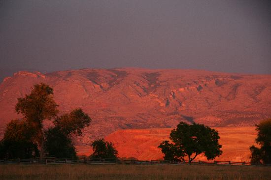 The Hideout Lodge & Guest Ranch : Sunset at the Hideout
