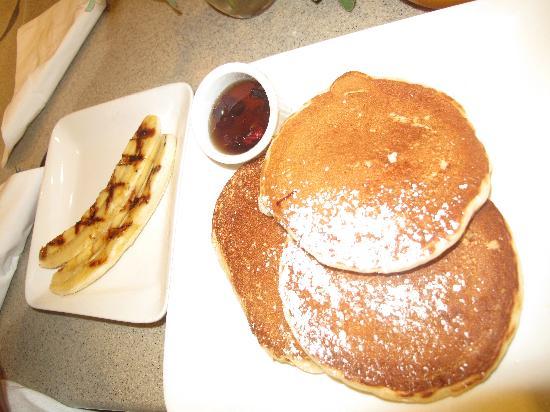Guy & Gallard: Pancakes with bananas