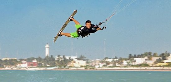 Kite Beach Yucatan Kiteboarding School