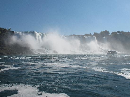 View of Horshoe Falls from Maid of the Mist