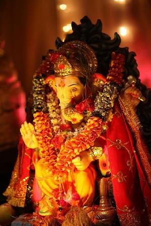 Mumbai (Bombay), India: ghanesh fest