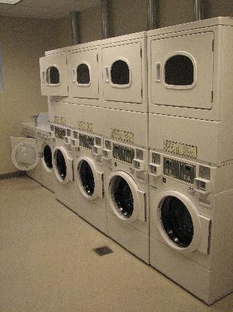 Element Arundel Mills: Laundry Room on First Floor