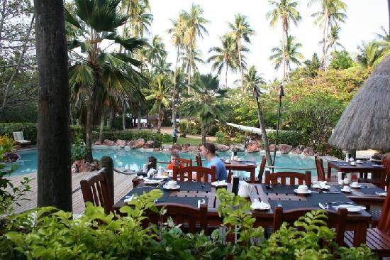 Malolo Island Resort: View from Terrace Restaurant