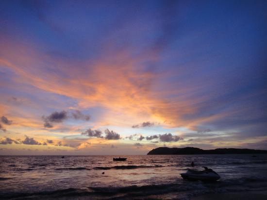 Sunset Beach Resort : couchet de soleil de l'hotel