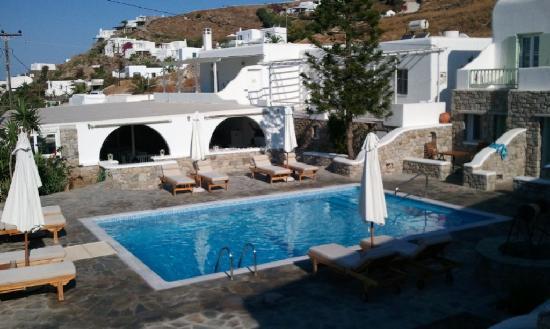 Bellissimo Resort: Vistas a la piscina desde la habitación