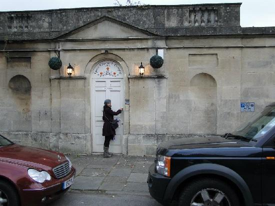 Entrance to Queen Charlotte's Orangery