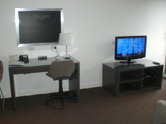 Punthill Dandenong : TV and entertainment unit