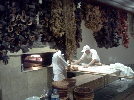 Gunaydin Kebap Restaurant : Il forno a legna