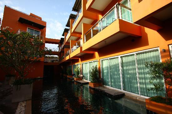 เดอะ สมอลล์ รีสอร์ท: Pool Area