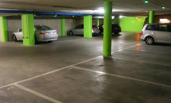 Hotel Gran Ultonia Girona: Parking Hotel Gran Ultonia - Girona