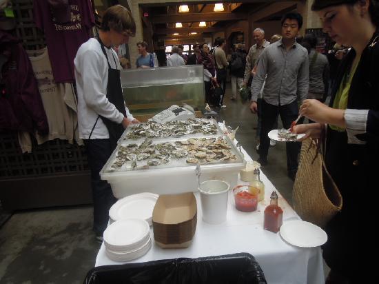 Ferry Building Marketplace: 買い食いできる店があまりなかったような