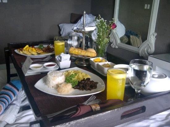 เดอะ บูติค เบด แอนด์ เบรคฟาสท์: breakfast in bed...for two!