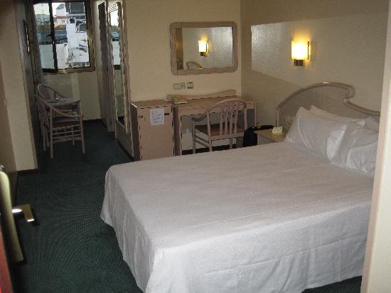 โรงแรมเลโอ: Room Hotel Lleo