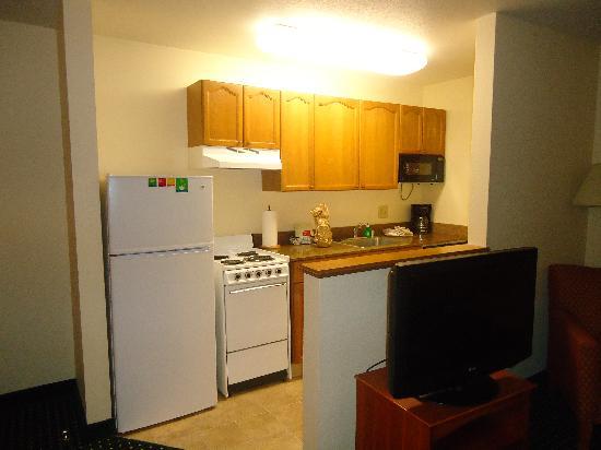 TownePlace Suites Denver West/Federal Center: kitchen