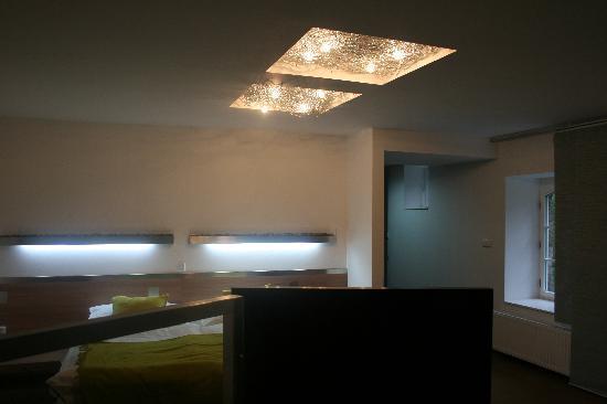 U Holubu Hotel & Garden: chambre nuptiale moderne