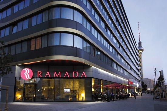 Ramada Hotel Berlin-Alexanderplatz: Aussenansicht
