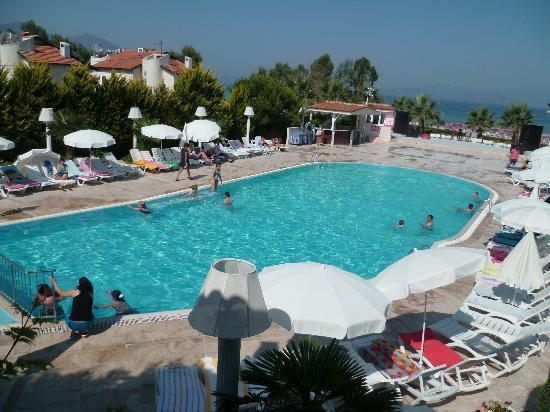 Piscine picture of mersin beach club kusadasi tripadvisor for Piscine club piscine