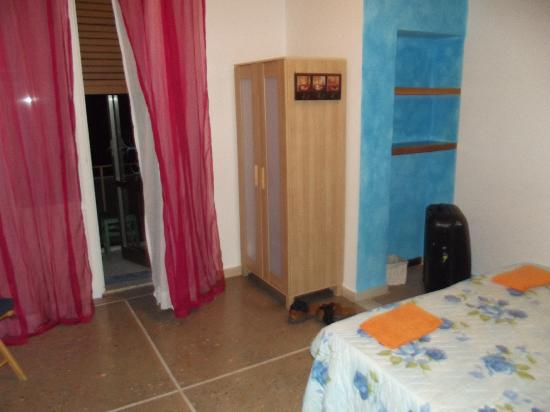 Casa Nuestra : The room from another angle