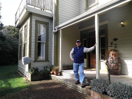 Tairoa Lodge & Cottage: Happy Customer