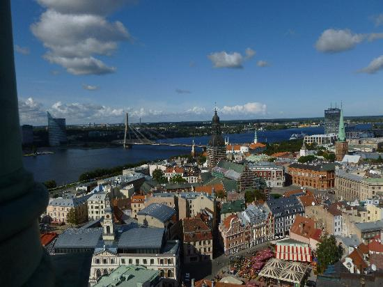View of Riga from St Peter's Church Tower: Ausblick aud den Eagle und die Brücke