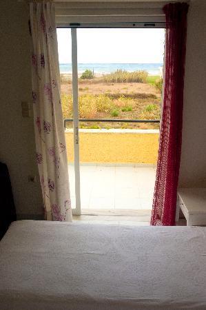 Villa Fleria Seaside Studios & Apts : Room/view  - room 2