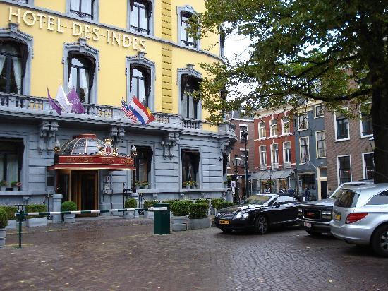 Hotel Des Indes, a Luxury Collection Hotel : Buitenkant hotel + parking