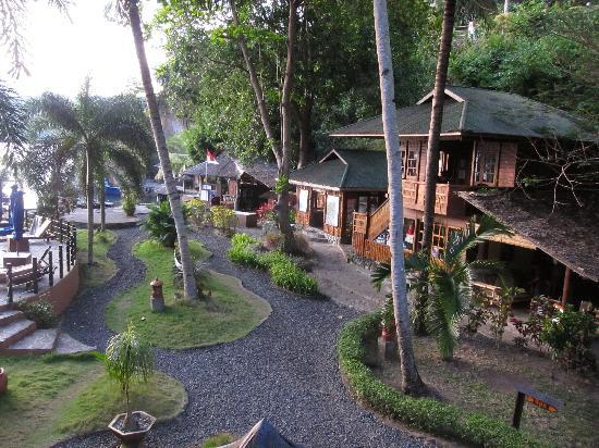 Lembeh Resort's common area: Dive Center, Gift Shop, Camera Room & coffee-break sitting area