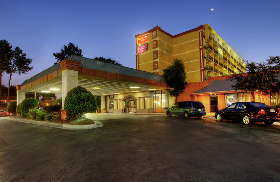 Knights Inn Atlanta Near Six Flags: Hotel Exterior