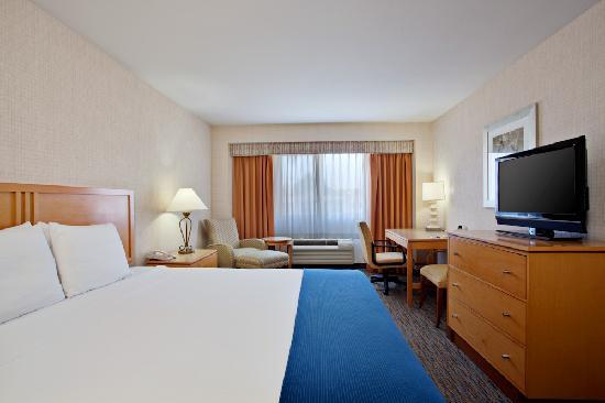 Holiday Inn Express Newport Beach: King Bed Guestroom