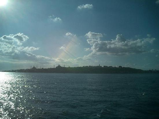 Bosphorus Strait: 船からの眺め