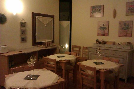 Bed & Breakfast Alisee: Zona desayunos