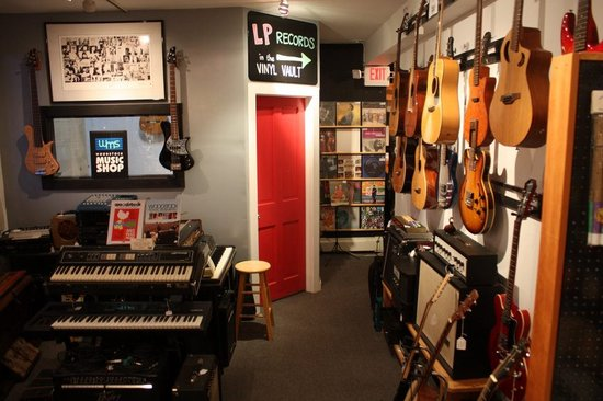 ‪Woodstock Music Shop‬