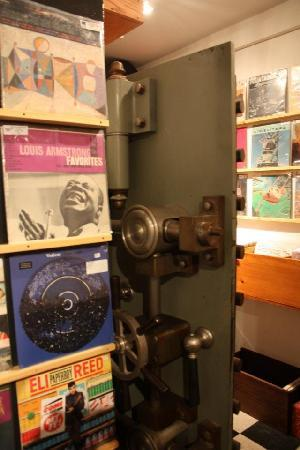 Woodstock Music Shop : Vinyl Vault!