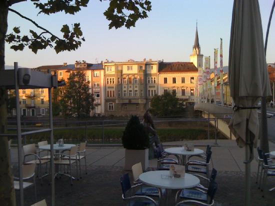 Cafe Konditorei Bernold: Sonne bis zum Untergang