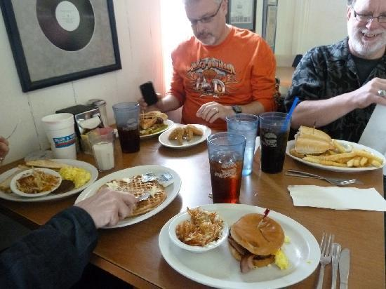 Blue & White Restaurant: The spread