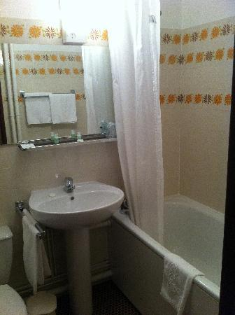 Airport Hotel : Bathroom
