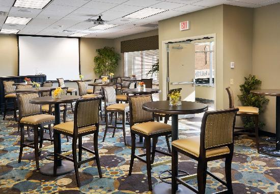 Hilton Garden Inn Mankato Downtown: From office retreats to family gatherings, perfect for all!
