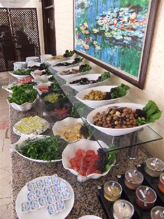 BEST WESTERN PLUS Khan Hotel: Khan Hotel Breakfast