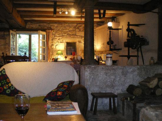 Le Moulin de Saint Jean : Lounge/dining room