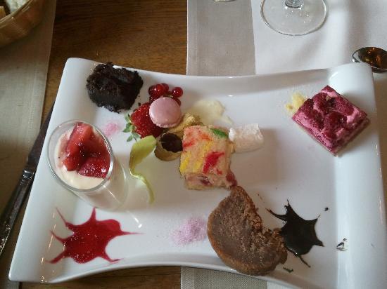 Auberge du vieux village: Assortiment desserts