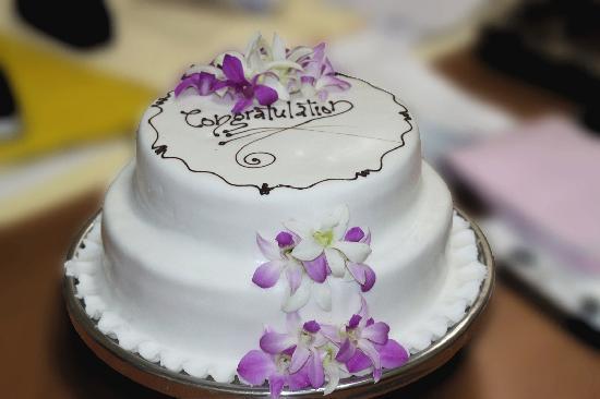 Outrigger Fiji Beach Resort: Wedding Cake