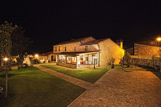 Casa de Lema: jardin-fachada