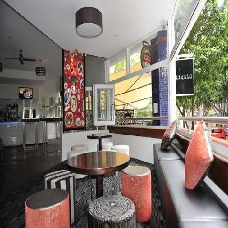 Liquid restaurant and bar australian restaurant 110 for 27 vernon terrace teneriffe