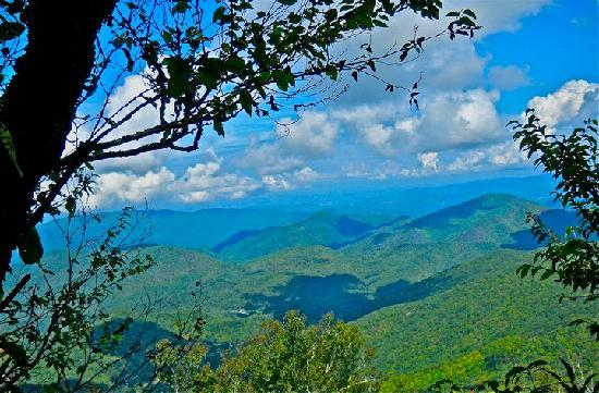 Bald Mountain House at the Wolf Laurel Resort: Appalachian Trail hiking photo