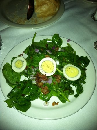 Downtown Grill: spinach salad with bacon dressing