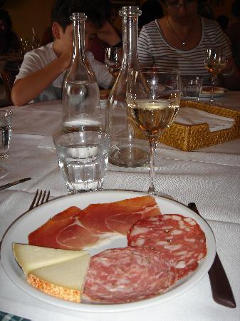 Guardastelle Vineyard: Antipasto was delish!