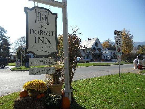 The Dorset Inn: Gorgeous Fall Day